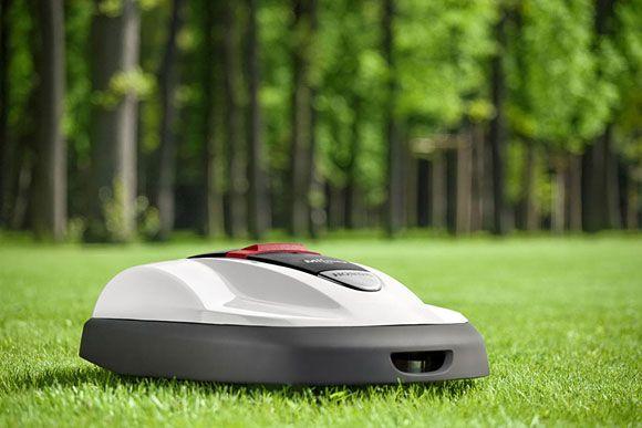 Honda's Miimo robotic lawn mower beats the heat, won't pour your lemonade.