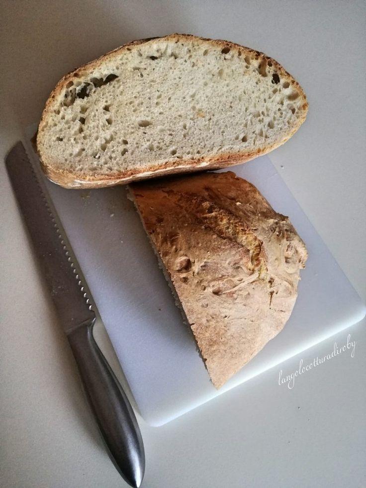 Pane semplicissimo con esubero di pasta madre