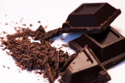 Chocolade Receptenboek  Chocolade! De wereldwijd geliefde lekkernij gemaakt van cacao dat wordt gewonnen uit cacaobonen vormt de basis voor vele verrassende recepten. De Azteken verbonden cacao aan de godin van de vruchtbaarheid. Tegenwoordig heeft chocolade nog steeds de reputatie een afrodisiacum te zijn en verleiden we er graag onze geliefde mee. Laat je inspireren door dit Chocolade Receptenboek met 20 verleidende recepten! Personaliseer dit kookboek door recepten toe te voegen en/of…