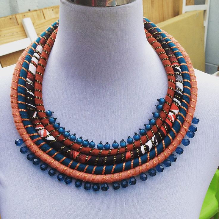 Collar , hecho a mano , diseño chileno