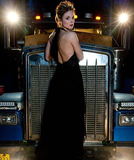 What does a 28-year-old truck driver have in common with Sarah Palin, oil rigs, and Dancing with the Stars? Meet Lisa Kelly and find out.