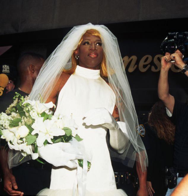 Carmen Electra Wedding Dress Dennis Rodman Wedding Dresses Short Bride