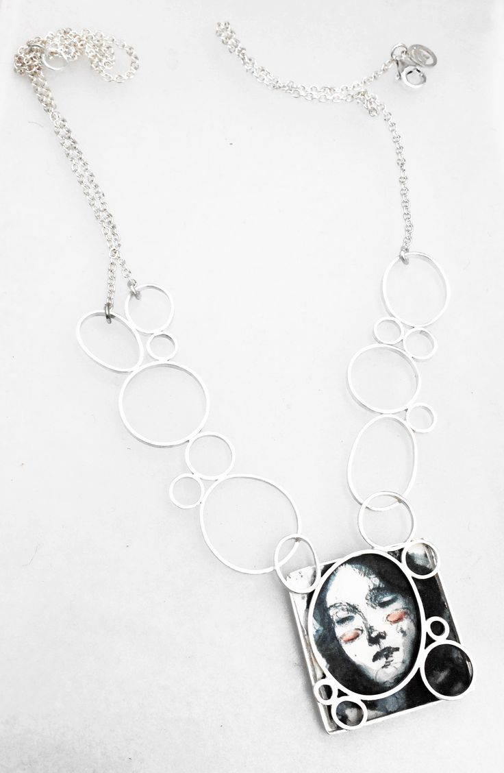 """AdHoc - Windows"", 2014.  Collana, argento925, carta fotografica, disegno di Federico Romero Bayter.  Necklace, silver925, photographic paper, Federico Romero Bayter's drawing."