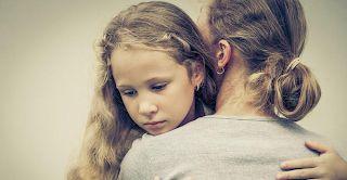 Κόρες που δεν έχουν αγαπηθεί από τις μητέρες τους: Τα 7 κοινά τραύματα - STROUMFAKI.GR