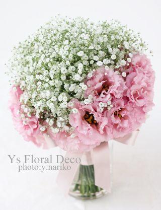 かすみ草と薄ピンクのリシアンサスのクラッチブーケ ys  floral deco @アニヴェルセル立川