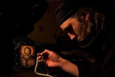 Περιβόλι της Παναγιάς: Συγκλονιστικό διήγημα: Ο καρπός μιας νυχτερινής προσευχής