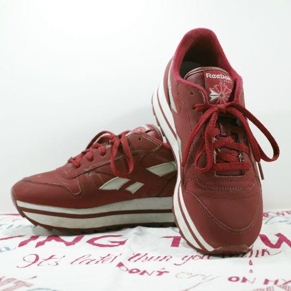 Reebok Classic Leather Sneaker Size: US 8 1/2