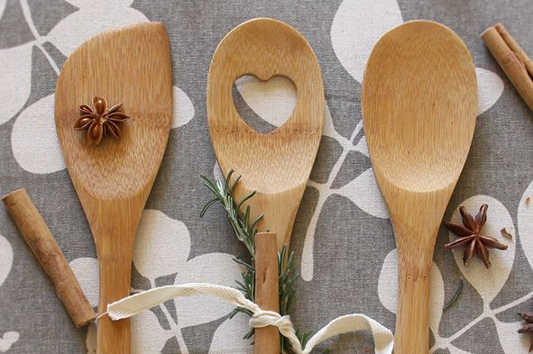 Dandi's bamboo kitchen utensil set. Decorating with herbs and spice.  www.dandi.com.au