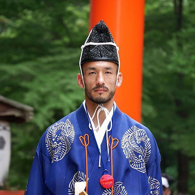 """Praying for victory Clad in Heian-period clothing, former Football player #HidetoshiNakata duing the ancient ball game of #kemari at Shimogamo Shrine in #Kyoto on May 31, 2014.  The game is being played to pray for Japan's victory at the World Cup in Brazil.  #中田英寿 #hidenakata  #나카타히데토시 #中田英壽 #nakatahidetoshi #hide #下鴨神社 #蹴鞠 #蹴鞠奉納神事 #毬水干"" Photo taken by @nakata_hidetoshi on Instagram, pinned via the InstaPin iOS App! http://www.instapinapp.com (08/20/2015)"