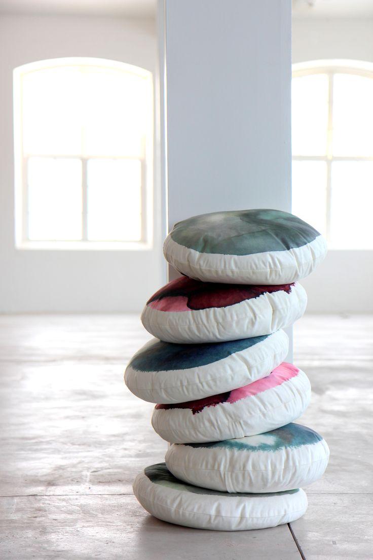 Round cushion By Ylva Skarp Photo: Susanne Kings