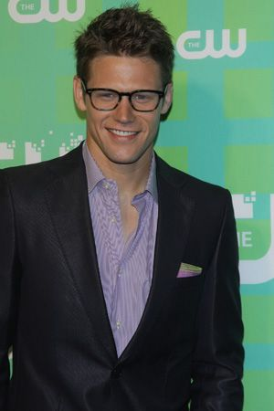 Vampire Diaries  star Zach Roerig gets custody of daughter