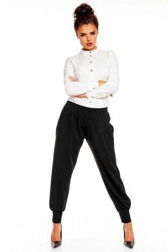 Czarne spodnie damskie o niezwykłym kroju