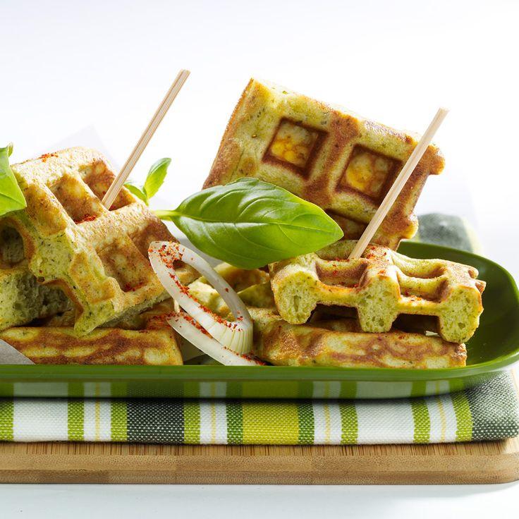 Découvrez la recette Gaufres au pesto sur cuisineactuelle.fr.