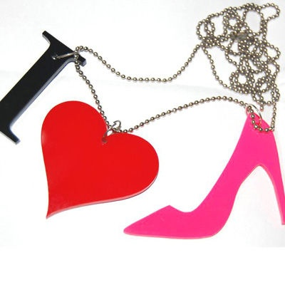 Make your girl friends jealous, with this cool 'I Love Shoes' necklace and be a hep. :D