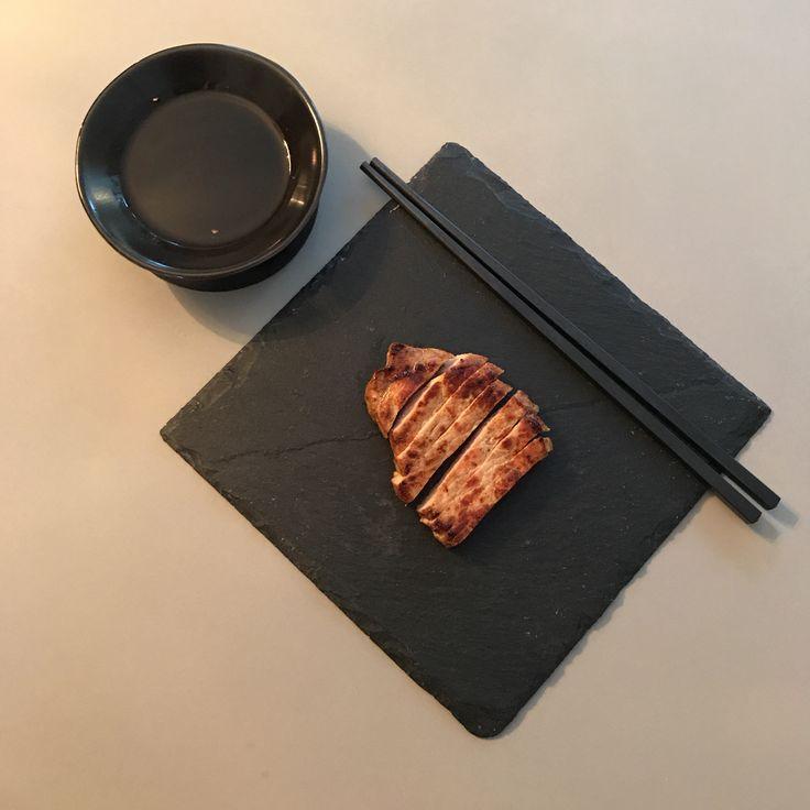 Ponzu (se receptet som är sparat i en tavla) o benfri fläskkotlett från Charken. Oj.