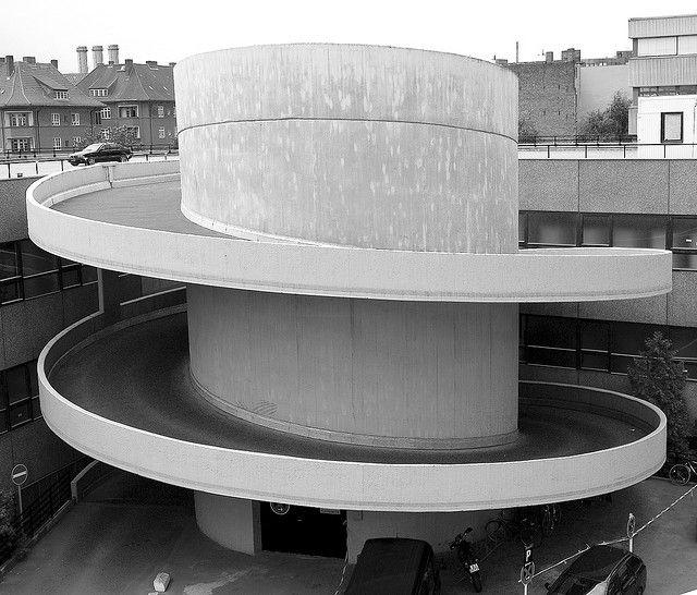 garage spiral ramp with water tank