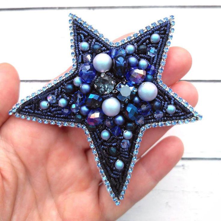 Эту звезду придумала и сшила в подарок на день рождения моей прекрасной подруге @volna__ , которая, как нетрудно догадаться, любит синий