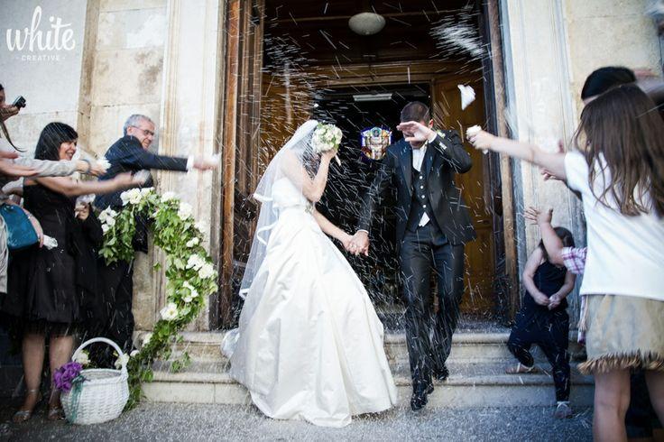 Lancio del riso  #matrimonio #sposi #chiesa #foto #wedding #bride #photo #reportage #lanciodelriso