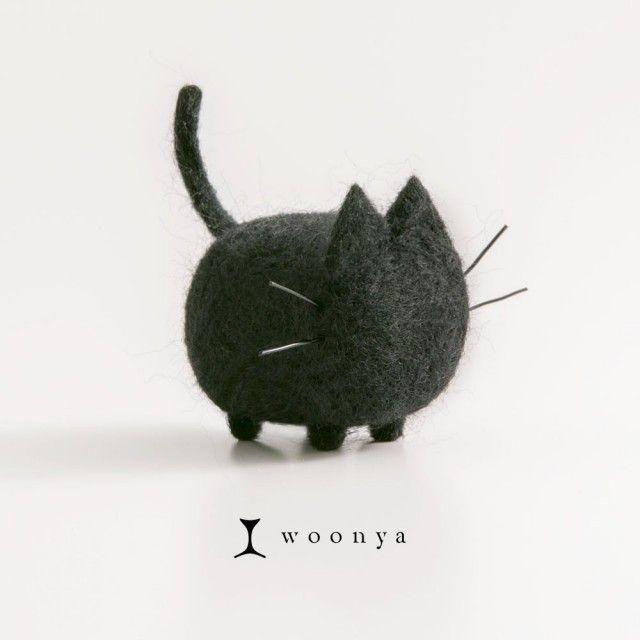 woonya【Black】 - はやさかのぶや