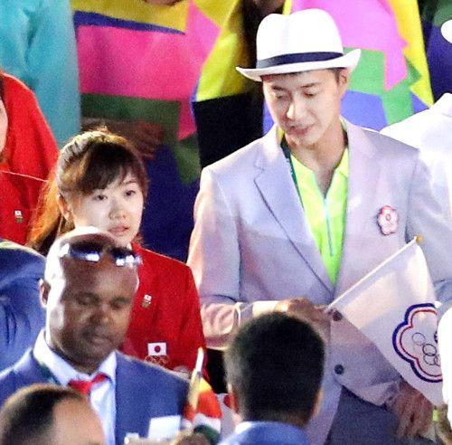 【卓球】愛のツーショット!台湾代表のアモーレと公の場で初披露 #リオ五輪 #卓球 #福原愛