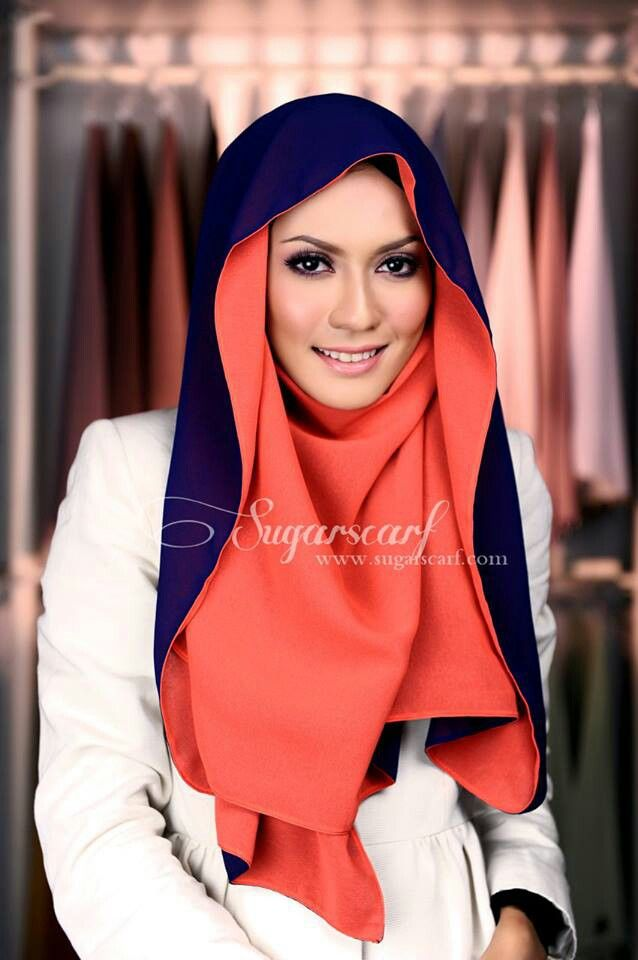 Hijabista. Love how it flows around the face, it's dual colored and still provides the appropriate coverage :) #hijab