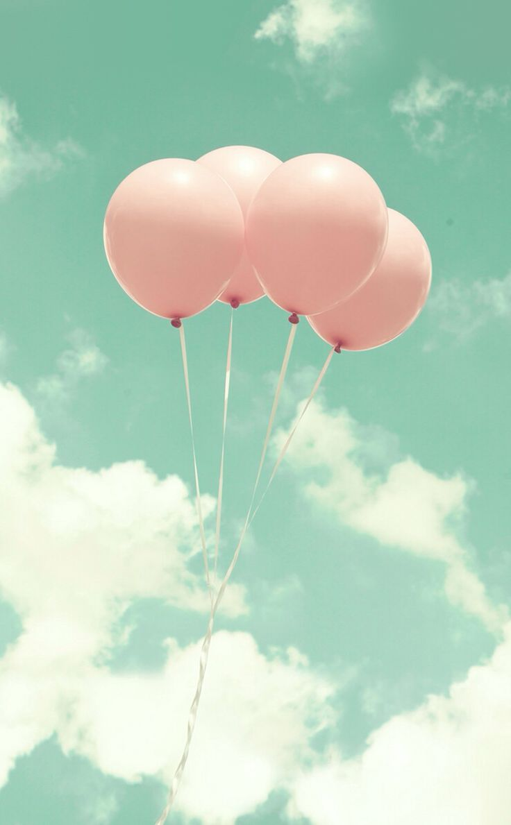 Light pink balloon wallpaper