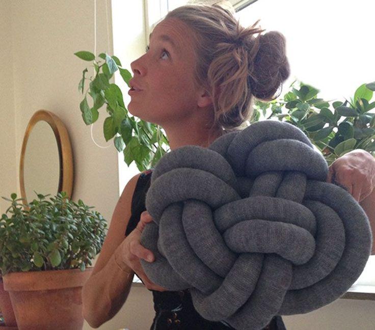 Konten-Kissen selbst gestalten mit DIY Anleitung fuer dekorative Knotenkissen