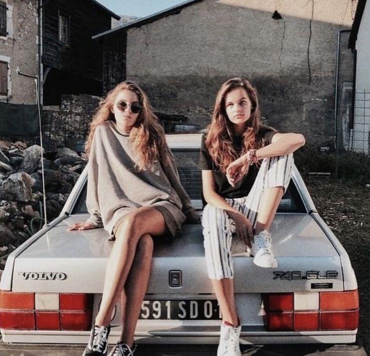 𝓟𝓲𝓷𝓽𝓮𝓻𝓮𝓼𝓽 📸💕 - INSPIRAÇÃO de foto tumblr com amiga | Garotas, Fotos de amigos, Poses