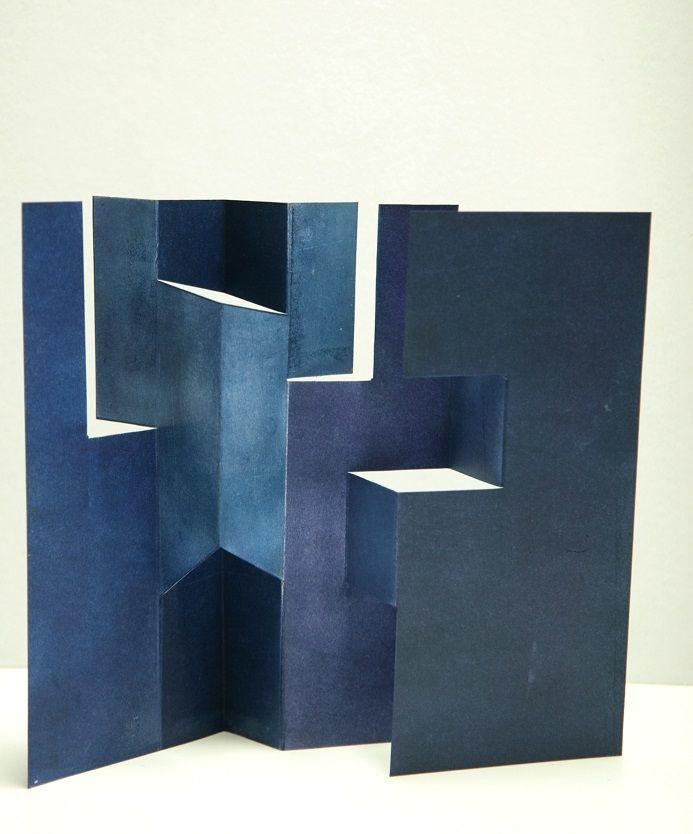 Riproduzione riservata © eleonora cumer    artist books - altered books -  libri modificati    http://librioggetto.blogspot.it/  libri d...