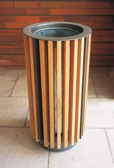 diagonal Litter bin by mmcité   Exterior bins