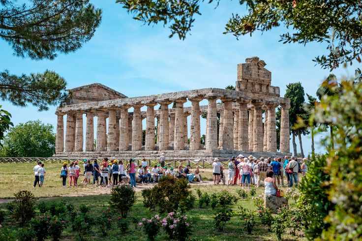 #Paestum Archaeological Site, come for a visit! #history #romanamphitheater #museums #greektemples #dorictemples #temples #magnagrecia #southofitaly #visititaly #visitcilento #visitpaestum #cilento #sea #sun #picoftheday #temples #archaelogicalsite #paestumarchaeologicalsite #riunsofpaestum #doric #roman