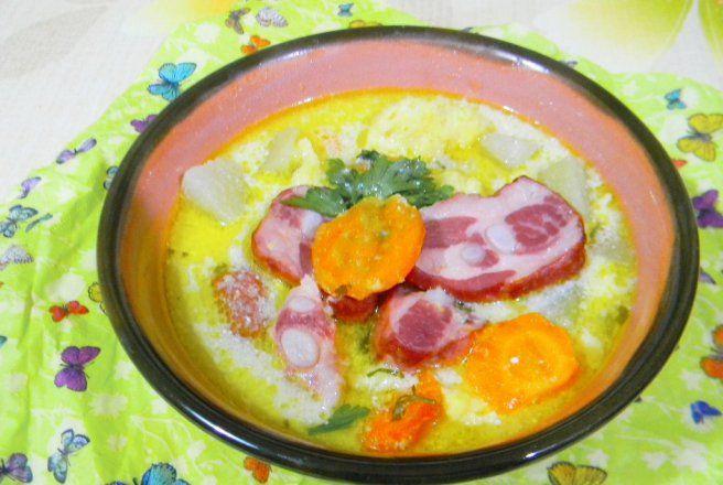 Retete Culinare - Supa de gulioare cu scaricica afumata si tarhon