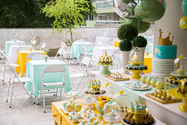photo cha de bebe do Davi_RakaMinelli festa chevron amarelo cinza verde coroa menino party gray yellow chevron green boy crown cake pop cupcake Raka Minelli