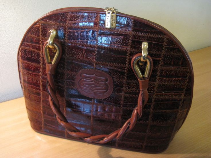 Beautiful vintage leather bag of the 50s marked Bol-Perdix... #Perdix #ShoulderBag