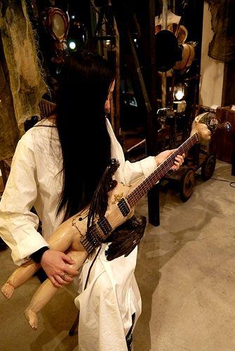 異形のギター「Perdurabo」