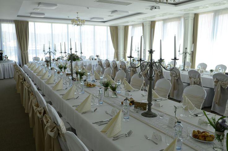 Dôkaz, že lúčne kvety vyniknú krásne aj v priestoroch luxusného Hotela Luna***