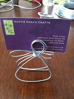 Auntie Kara's Crafts: Wire Angels ~ good for shows or ID'ing foods at Christmas Eve gathering!