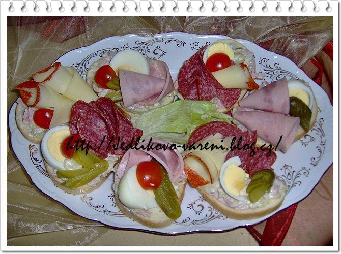 domácí obložené chlebíčky