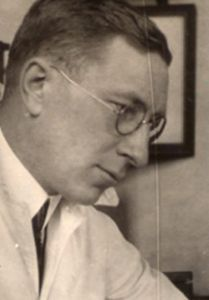 Frederick Banting (1891 - 1941) ♦ Millions of diabetics owe their lives to Frederick Banting's idea and research. Working with fellow Canadians Charles Best and James Collip, Banting determined that insulin was the key to treating diabetes.