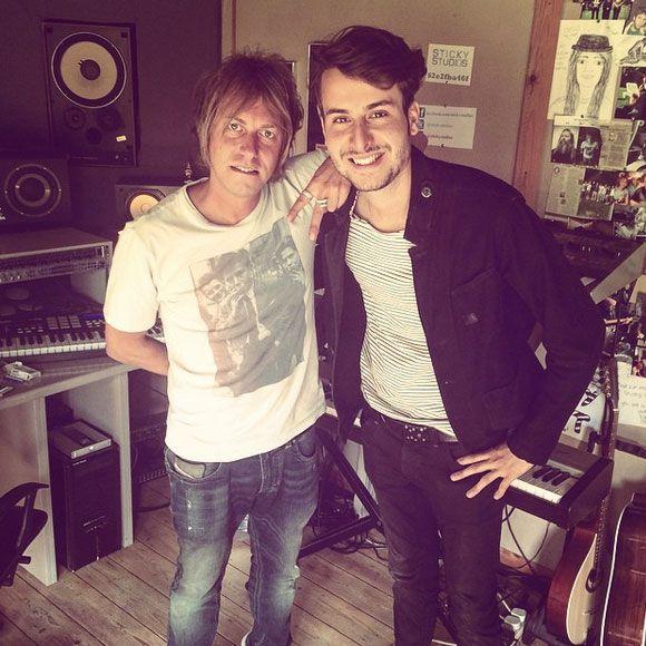 Bobby Bazini enregistre des nouvelles chansons en Angleterre | HollywoodPQ.com