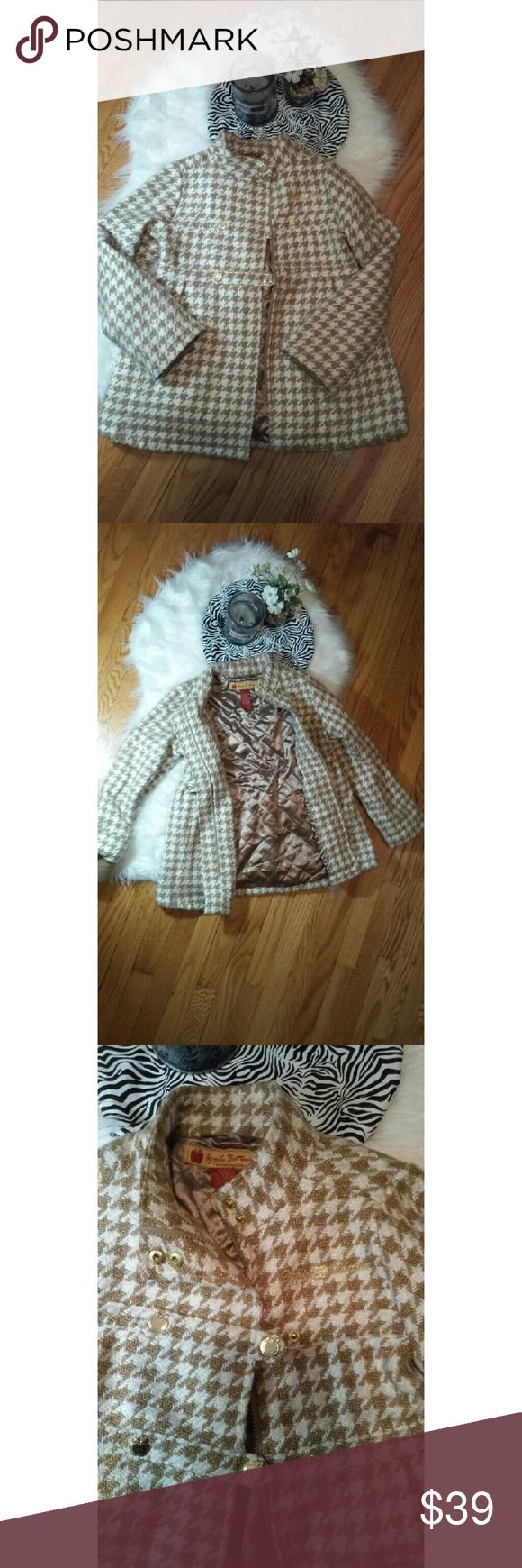 Beautiful little girls peacoat Apple Bottoms -Zippered closure with overlay snap button closure  -dress design -dreamed at back  -gold buttons shaped like apples -quilted lining Apple Bottoms Jackets & Coats Pea Coats