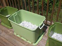 Back Porch Garden: Rubbermaid Container Garden