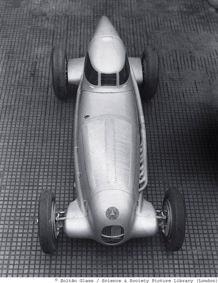 Daimler-Benz – Zoltán Glasfotografie   – Silber Arrows
