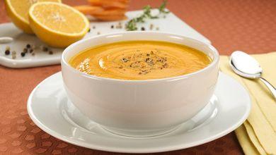 Sopa de... Sim, laranja! Quem nunca experimentou e gosta de laranja, vale a pena. #Sopa_de_Laranja #receitas #sopas #laranja #fruta #legumes