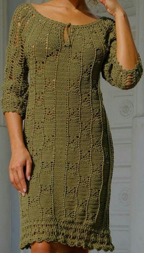 b87417b31af5 Pin uživatele Klára Nezmarová na nástěnce Háčkování - šaty 2 Crochet dress 2