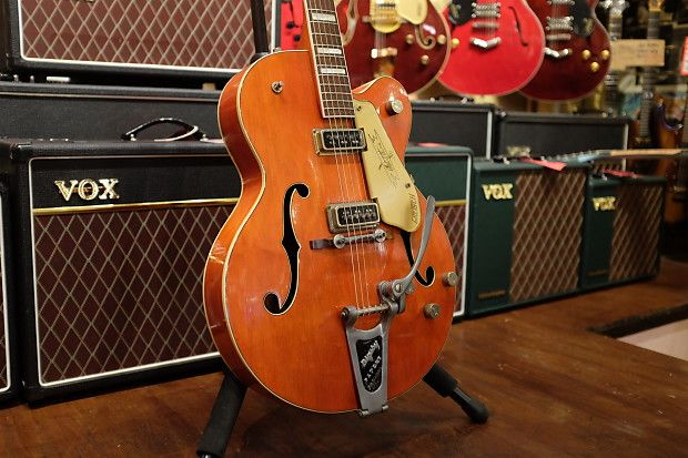 Rare block inlay Gretsch 6120 from 1957. Unusual feature as normally the neck has hump block inlays. All original parts with the exception of the master volume pot. Additionally the neck has been reset which is common of a Gretsch of this age. Overall this is a great example of a 50's Gretsch.