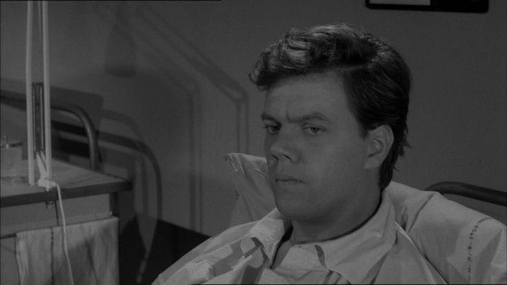 """som Arne Herluf Jensen """"Smukke Arne"""", i 5 mand og Rosa fra 1964."""