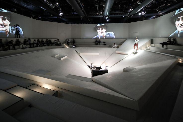 360° Stage for Hermann Hesses Glasperlenspiel for Staatstheater Karlsruhe, Germany Stagedesign by Sebastian Hannak
