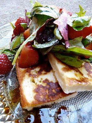 Salade chypriote au fromage halloumi et aux fraises (Recette grecque) - IDEOZ, Guide voyage en Europe