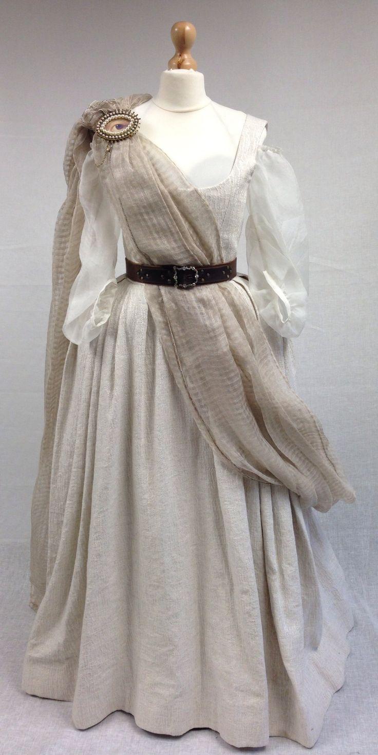 Geillis Duncan's Gathering Dress   Costume designer TERRY DRESBACH   Outlander S1E4 'The Gathering' on Starz